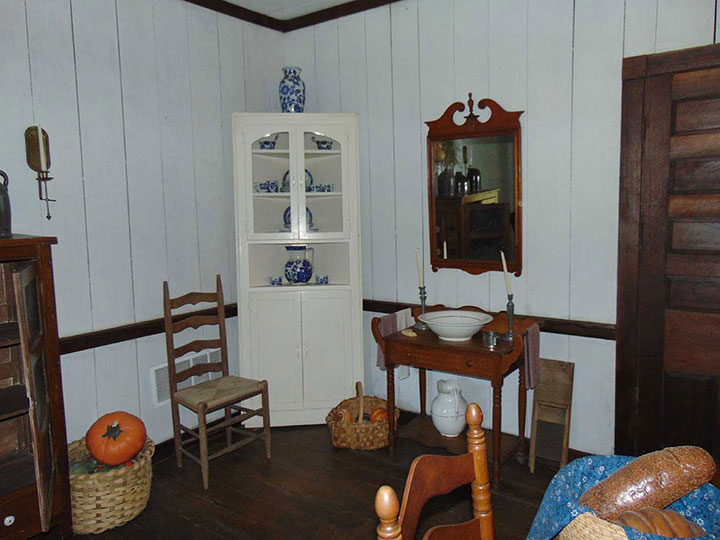 Downstairs room of Nathan Bedford Forrest's boyhood home.